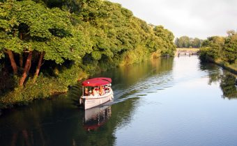 Cruising on the River Isis in Oxford - picture credit: Oxford River Cruises (http://www.oxfordrivercruises.com/)